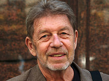 220px-Pete_Hamill_by_David_Shankbone.jpg